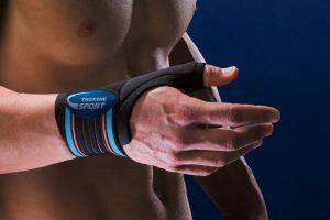Νάρθηκας αντίχειρα: στήριξη του καρπού και του αντίχειρα με ελαστικούς ιμάντες. Πρόληψη των τραυματισμών των συνδέσμων (διαστρέμματα).